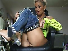 Amateur Big Butts Mature MILF Secretary