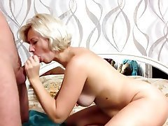 Amateur Blonde Mature MILF Russian