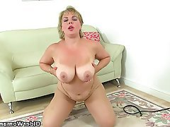 British Mature MILF Pantyhose Orgasm