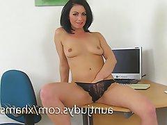 Masturbation Mature MILF Spanish